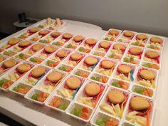 34 x patatje hamburger Kids Party Snacks, Party Treats, Fourth Of July Food, School Treats, Birthday Treats, Food Humor, High Tea, Smoothie Recipes, Diy For Kids