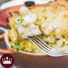 Sim, é uma mistura de filé de FRANGO com COUVE-FLOR! Essa delícia ainda leva queijo e molho branco gratinado! *-* Fácil, rápido e maravilhoso! Contei com a ajuda da blogueira de maquiagem Beca Brait na cozinha!