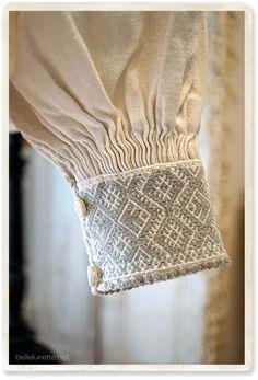 Kurti Sleeves Design, Sleeves Designs For Dresses, Kurti Neck Designs, Sleeve Designs, Blouse Designs, Designer Wear, Designer Dresses, Punto Smok, Cute Fashion