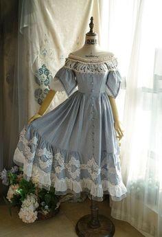 Old Fashion Dresses, Old Dresses, Vintage Dresses, Fashion Outfits, Sexy Dresses, 1800s Dresses, Summer Dresses, Prom Dresses, Pretty Outfits
