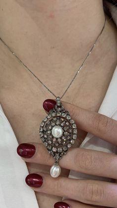 Quartz Crystal Necklace, Pearl Pendant, Pendant Necklace, Love Wishes, Colour Stone, Color, Necklace Ideas, Diamond Necklaces, Jewels