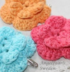 crochet flower with hair clip