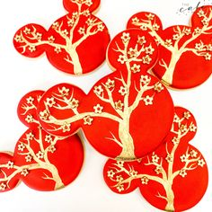 Mickey Mouse decorated sugar cookies designed for Chinese New Year. Call or email to order your custom royal icing sugar cookies today. Click visit to learn more. Royal Icing Sugar, Royal Icing Cookies, Sugar Cookies, Cupcake Wars, Custom Cookies, Cookie Designs, Cookie Desserts, Chinese New Year, Dessert Table