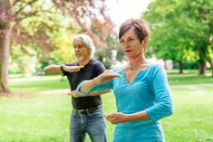 Praised for its many health benefits, tai chi can make you feel happier, healthier and fitter too. Find out why Tai Chi is all the rage among the over and learn how to find beginner tai chi classes near you. Benefits Of Exercise, Health Benefits, Tai Chi Classes, Senior Fitness, Flexibility Workout, Workout Programs, At Home Workouts, Anxiety, Study