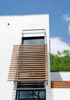 65 Ideas For Exterior Window Shades Sun House Window Privacy Screen, Window Awnings, Privacy Screens, Contemporary Window Treatments, Contemporary Windows, Modern Exterior, Exterior Design, Stucco Exterior, Window Protection
