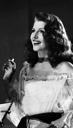 Una sonrisa única la de Rita Hayworth, que nos deslumbró en 'Gilda' (Charles Vidor, 1946)