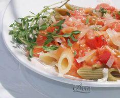 """ПАСТА ПЕННЕ ПОД СОУСОМ """"РОЗА"""" В томатный соус к пасте,помимо прочего, добавляется водка. По вкусу! Продукты на 4 порции: паста пенне - 500 г…"""