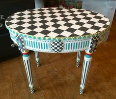 Funky Furniture Stores in Europe Furniture Fix, Chalk Paint Furniture, Funky Furniture, Refurbished Furniture, Home Decor Furniture, Furniture Projects, Repurposed Furniture, Furniture Makeover, Paint Decor