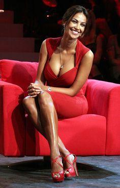 Madalina Ghenea ✜ ღ♥Please feel free to repin ♥ღ✜ www.fashionandclothingblog.com