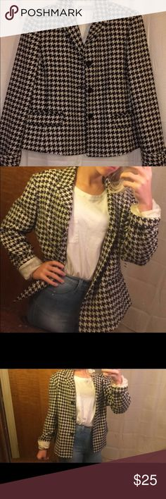 Vintage Liz Claiborne blazer Can create a new vintage look without looking grandma-ish. It's houndstooth pattern is coming back into style and gives any look some class. Liz Claiborne Jackets & Coats Blazers