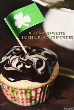 Black and White Irish Cream Cupcakes | passthesushi.com
