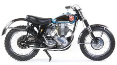 """After Feets Minert's Catalina victory, BSA named the Gold Star the """"Catalina Scrambler """"and added the mods that Feets used British Motorcycles, Vintage Motorcycles, Custom Motorcycles, Tracker Motorcycle, Motorcycle Types, Motocross Action, Desert Sled, Flat Track Racing, X Car"""
