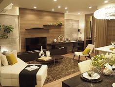 リビングルームコーディネート|間接照明とミラーで、天井の高さや奥行き感・明るさを演出。