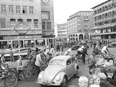 Wilhelm Hauschild: Verkehrsknotenpunkt Kröpcke, 1.9.1951 - gefunden und gepinnt vom Immobilien Büro in Hannover Makler arthax-immobilien.de