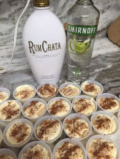 Apple Pie Pudding Shots Alcoholic apple pie a la mode! 1 box sugar free vanilla pudding ¾ cup skim milk cup apple vodka cup vanilla flavored cream liquor 1 tub of fat free whipped topping 8 reduced fat vanilla waf… Pudding Shot Recipes, Jello Pudding Shots, Jello Shot Recipes, Alcohol Drink Recipes, Pudding Cup, Rumchata Pudding Shots, Vanilla Pudding Shots, Fireball Recipes, Punch Recipes