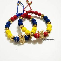 online shop (@_lupitaccesorios) • Fotos y vídeos de Instagram Beaded Jewelry, Handmade Jewelry, Beaded Bracelets, Large Face Watches, Fancy Nancy, Beaded Crafts, Imitation Jewelry, Michael Kors Gold, Pearl Bracelet