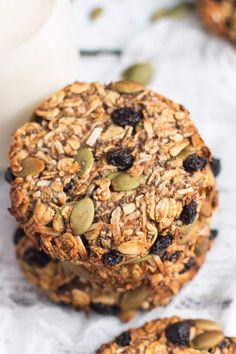Healthy Snacks 746542075714459511 - Never skip breakfast again with a batch of these Super Healthy Grab and Go Banana Breakfast Cookies in your freezer. Naturally sweetened, these are seriously good for you. Source by Healthy Cookies, Healthy Treats, Healthy Baking, Healthy Breakfast Cookies, Healthy Biscuits, Protein Cookies, Healthy Sugar, Grab And Go Breakfast, Breakfast Bars