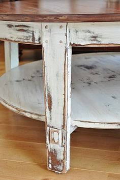 diy: how to paint and distress a coffee table - excellent tutorial