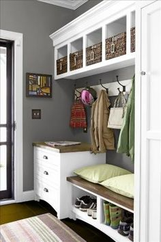Still wishing I had a mud room! Or some space I can turn into a mud room! Mudroom Laundry Room, Laundry Area, Closet Mudroom, Vibeke Design, Ideas Para Organizar, Staying Organized, Better Homes And Gardens, Room Paint, Home Organization