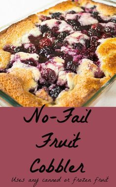 The BEST 5 Ingredient Berry Cobbler (Made with Frozen Fruit, Cake Mix & Oats) - New ideas Fruit Recipes, Baking Recipes, Dessert Recipes, Fruit Dessert, Recipes With Frozen Fruit, Blackberry Recipes Easy, Easy Blackberry Cobbler, Homemade Peach Cobbler, Recipes