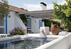 Living that's natural and relaxed vera iachia comporta portugal Outdoor Spaces, Outdoor Living, Porch And Terrace, Relaxing Holidays, Greek House, My Pool, Small Pools, Dream Pools, Pool Designs