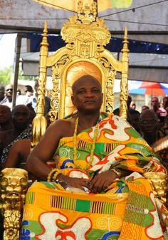 Togbe Afede XIV, the king of Asogli State of Ghana, attends the Yam Festival in Ho, the Volta Regional Capital, 165 km northeast of Ghana's capital Accra,