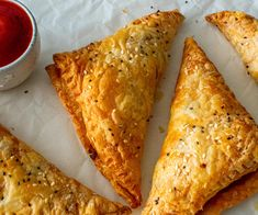 Veg Puff Recipe, Curry Puff Recipe, Puff Pastry Recipes, Veg Breakfast Recipes, Snack Recipes, Chaat Recipe, Vegetarian Snacks, Indian Food Recipes, Vegetable Pie Puff Pastry