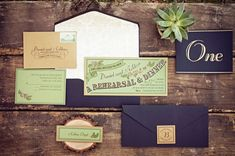 lovely colors in a wedding invitation. #green #invitations