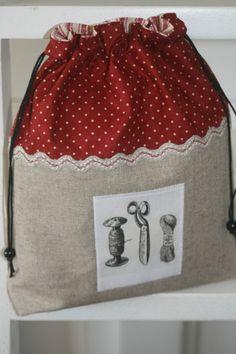 Cute house bag. boutik1