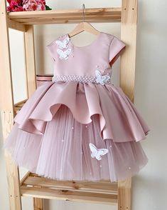 Frocks For Girls, Kids Frocks, Gowns For Girls, Dresses Kids Girl, Cute Dresses, Kids Outfits, Kids Dress Wear, Kids Gown, Little Girl Fashion