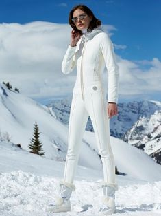 Bogner Online Shop: exclusive fashion, sports- and ski wear for women & men. Discover the new Bogner Collections and get ready for the winter season! Apres Ski Outfits, Sporty Outfits, Winter Suit, Winter Wear, Ski Fashion, Winter Fashion, Daily Fashion, Fashion Women, Snow Outfit