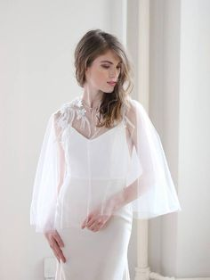 Pretty Ways to Keep the Bride Warm - 30 Chic Bridal Cover-Ups! Lace Bolero Wedding, Bridal Bolero, Wedding Cape, Bridal Cape, Bridal Cover Up, Backless Gown, Autumn Bride, Bridal Looks, Wedding Trends