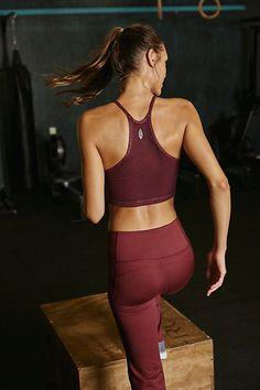 Happiness Runs Crop Yoga Pants Outfit, Yoga Outfits, Fitness Photos, Fitness Brand, Yoga Tops, Cute Casual Outfits, Girly Outfits, Teenager Outfits, Pretty Outfits