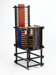 Mobiliário Moderno De Stijl Móvel: Child's Chair Designer(s): Gerrit Thomas Rietveld Ano: 1918 Características: Linhas verticais e horizontais; ângulos retos; formas geométricas básicas; paleta de cores reduzido ao vermelho, amarelo, azul, branco, preto e cinza.
