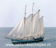 Threemast Clipper 'Grootvorst' under sail.