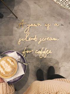 Elan Cafe – prawdopodobnie najpiękniejsza kawiarnia w całym Londynie! London Coffee Shop, London Cafe, Cafe Interior Design, Cafe Design, Interior Ideas, Coffee Words, Coffee Love, Cafe Bar, Cafe Restaurant