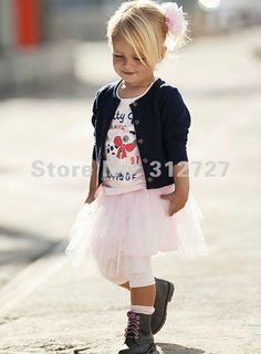 totally gonna be my little girls style! so cute!  >.