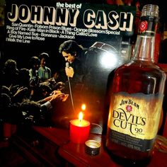 Happy Birthday Johnny Cash! #maninblack #musicians #albumcovers #vinyl #vinylcollection #vinylporn #johnnycash #countrymusic #recordcollection #popular #vinyladdict #skivor #jimbeam #records #music #singers #instamusic #instavinyl #vinylcollectionpost #whiskey #nowspinning #nowplaying #vinyljunkie #vinylcollector #instalike #instalikes #booze #bourbon #drinks