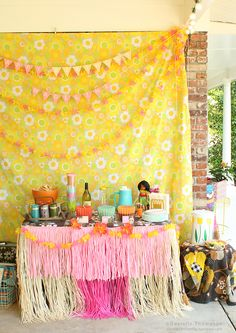 party + pattern + kitch + hawaii = yes please