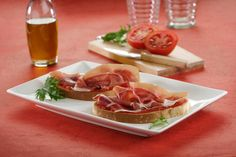 Bread, tomato, olive oil and jamón ibérico: came to Spain and try it :)
