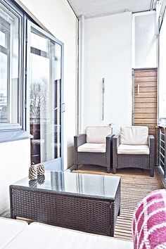 Kaupunkikoti Kajo in Mikkeli / balcony. You can rent the flat! Outdoor Sofa, Outdoor Furniture, Outdoor Decor, Balcony, Beautiful Homes, Flat, Canning, Home Decor, House Of Beauty