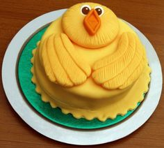 creative holiday cakes | Cool-and-creative-Easter-Holiday-Cake-Ideas-Family-Holiday.1392362878 ...
