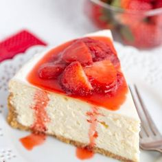 You asked for it. a perfect cheesecake recipe with the PERFECT Strawberry sauce! (i am baker) Perfect Cheesecake Recipe, Sour Cream Cheesecake, Cheesecake Toppings, Cheesecake Desserts, Pie Dessert, No Bake Desserts, Just Desserts, Delicious Desserts, Dessert Recipes