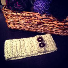I would really like a white crochet headband like this <3