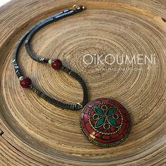 Καλοκαιρινό για πολλές, αλλά εσύ να μην ακούς, να το φορέσεις τώρα το χειμώνα, πάνω από το μαύρο σου ζιβάγκο, μαζί με τις καινούριες σου μπότες. Tribal Necklace, Handmade Necklaces, Washer Necklace, Jewelry, Fashion, Moda, Jewlery, Jewerly, Fashion Styles