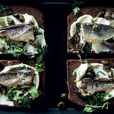 """Posh sardines on toast. James Bellamy loved sardines on toast ever since he was a little kid. Heard of in """"News from the Front. Cream Cheese Toast, Homemade Dressing, Instant Recipes, Rice Dishes, Downton Abbey, Fish And Seafood, I Love Food, Gourmet Recipes"""
