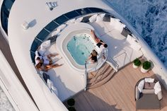 Mood Daybed at Monaco Wolf by Heesen Yachts Best Yachts, Luxury Yachts, Yacht Design, Boat Design, Monaco, Nautical Fashion, Nautical Style, Super Yachts, Luxury Beauty