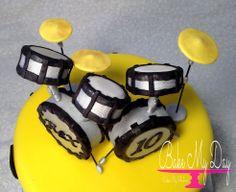 Edible drum set cake