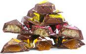 Avant-Garde Bars : Chocolat Moderne, The wonderful art of chocolate Dark Chocolate Bar, Best Chocolate, Raspberry, Strawberry, Lavender Oil, Natural Red, Caramel, Berries, Chocolates