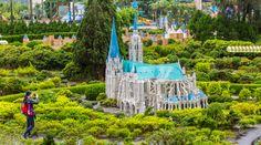 Kết quả hình ảnh cho window on china theme park taiwan
